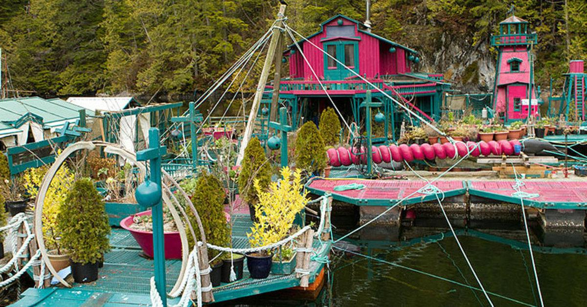 Adorable Couple Spends 20 Years Building Island