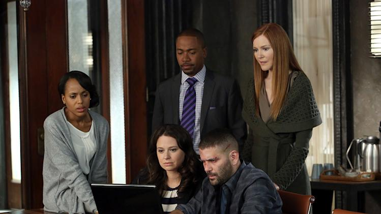 """Scandal"" -- ""Truth or Consequences"" KERRY WASHINGTON, KATIE LOWES, COLUMBUS SHORT, GUILLERMO DIAZ, DARBY STANCHFIELD"