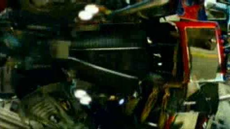 'Transformers' Clip: Street Fight