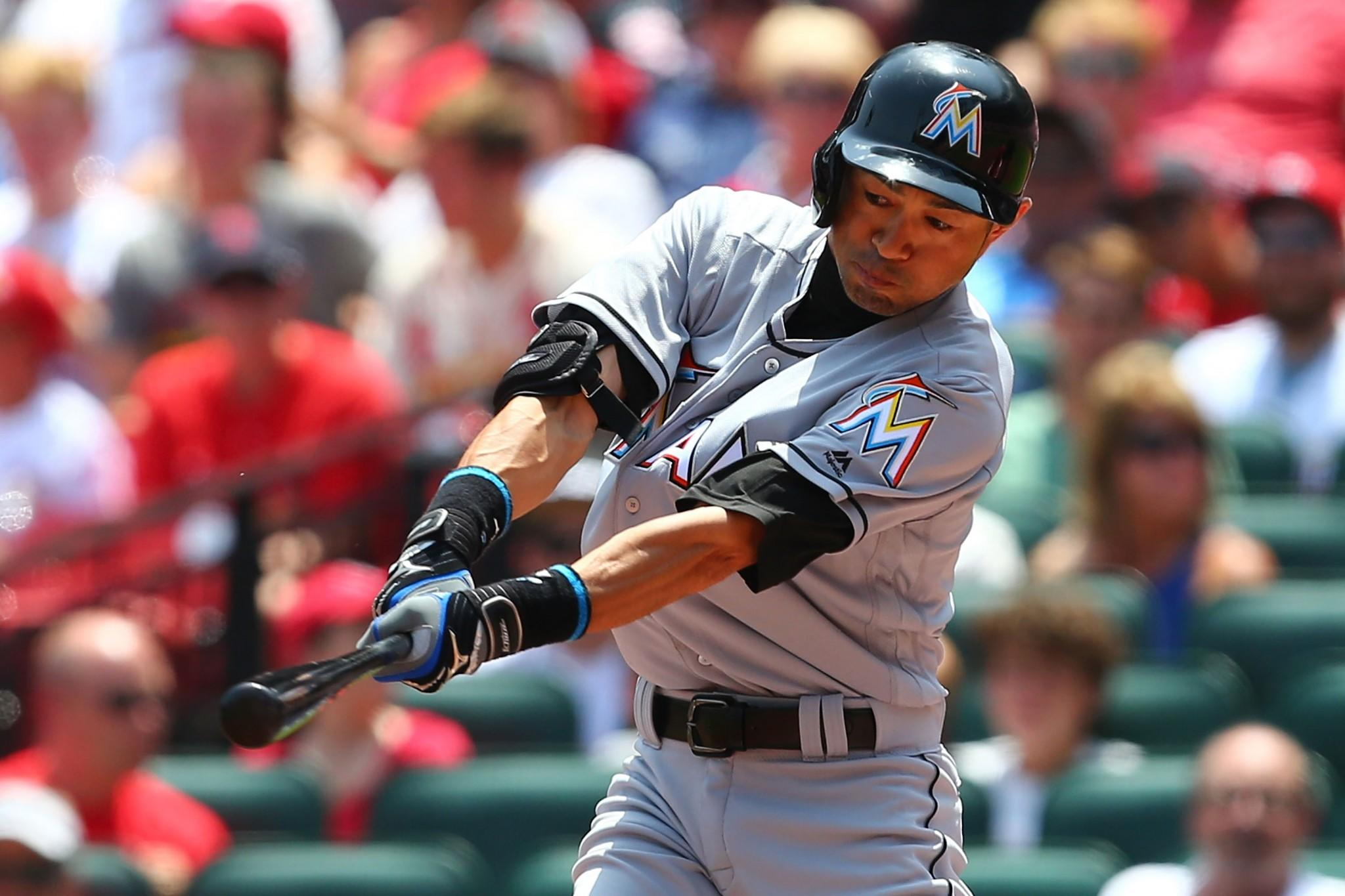 Ichiro finds a clever way to put Pete Rose in his place