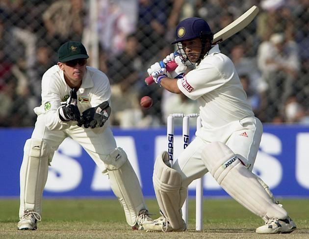 CRICKET-INDIA-ZIMBABWE-TENDULKAR-HIT