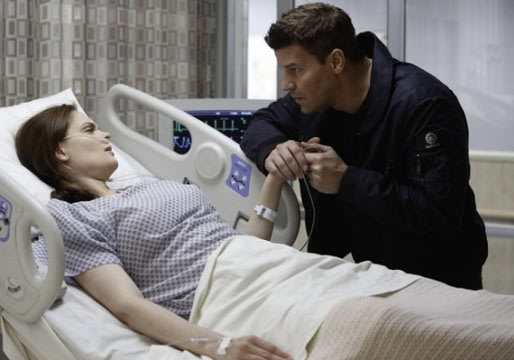 Bones&#39; Emily Deschanel Previews Brennan&#39;s Brush With Death and a Possible Proposal