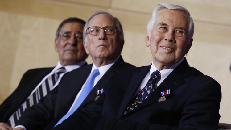 Obama hails Nunn, Lugar efforts to secure nukes