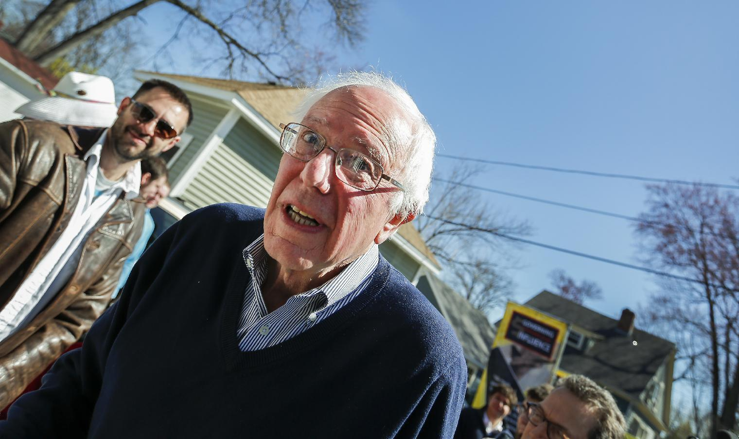Vermont's Sanders starts presidential bid in New Hampshire