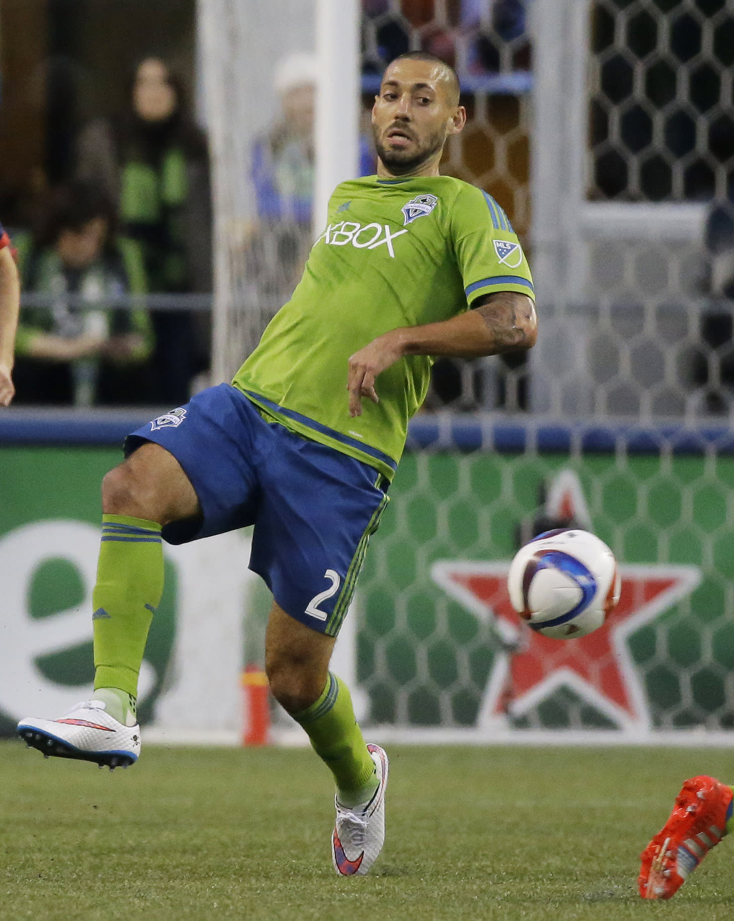 Clint Dempsey injures hamstring, out 2-3 weeks