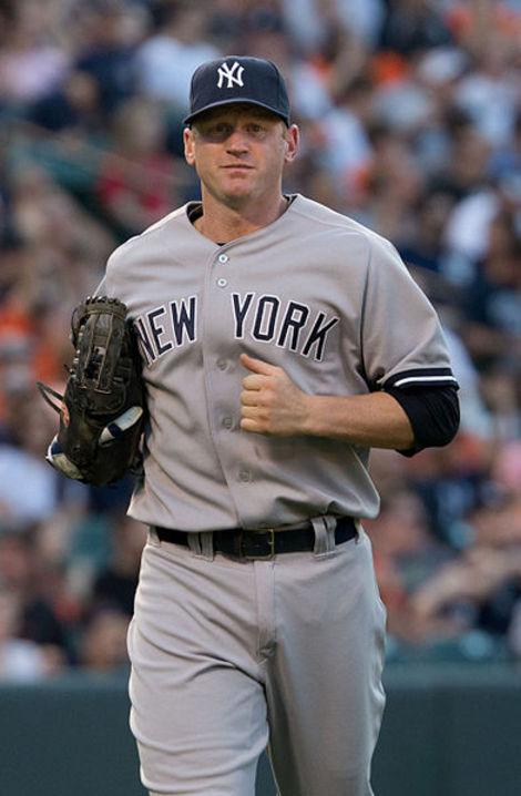 New York Yankees Shift Lyle Overbay; Is it the Right (Field) Move?