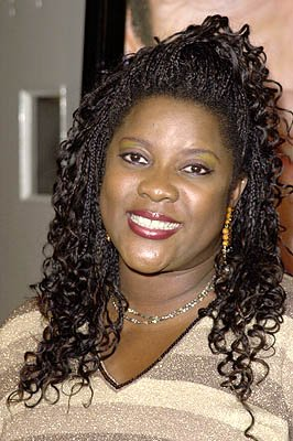 Premiere: Loretta Devine at the Westwood premiere of Paramount's What Women Want - 12/14/2000