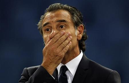 Italy's coach Prandelli reacts during their international friendly soccer match against Argentina at the Olympic stadium in Rome
