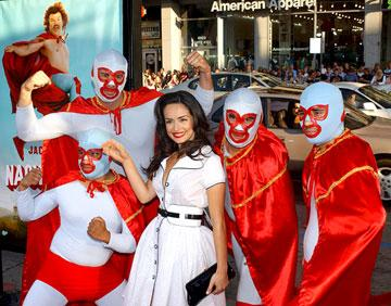 Ana de la Reguera with the Nachos at the Hollywood premiere of Paramount Pictures' Nacho Libre