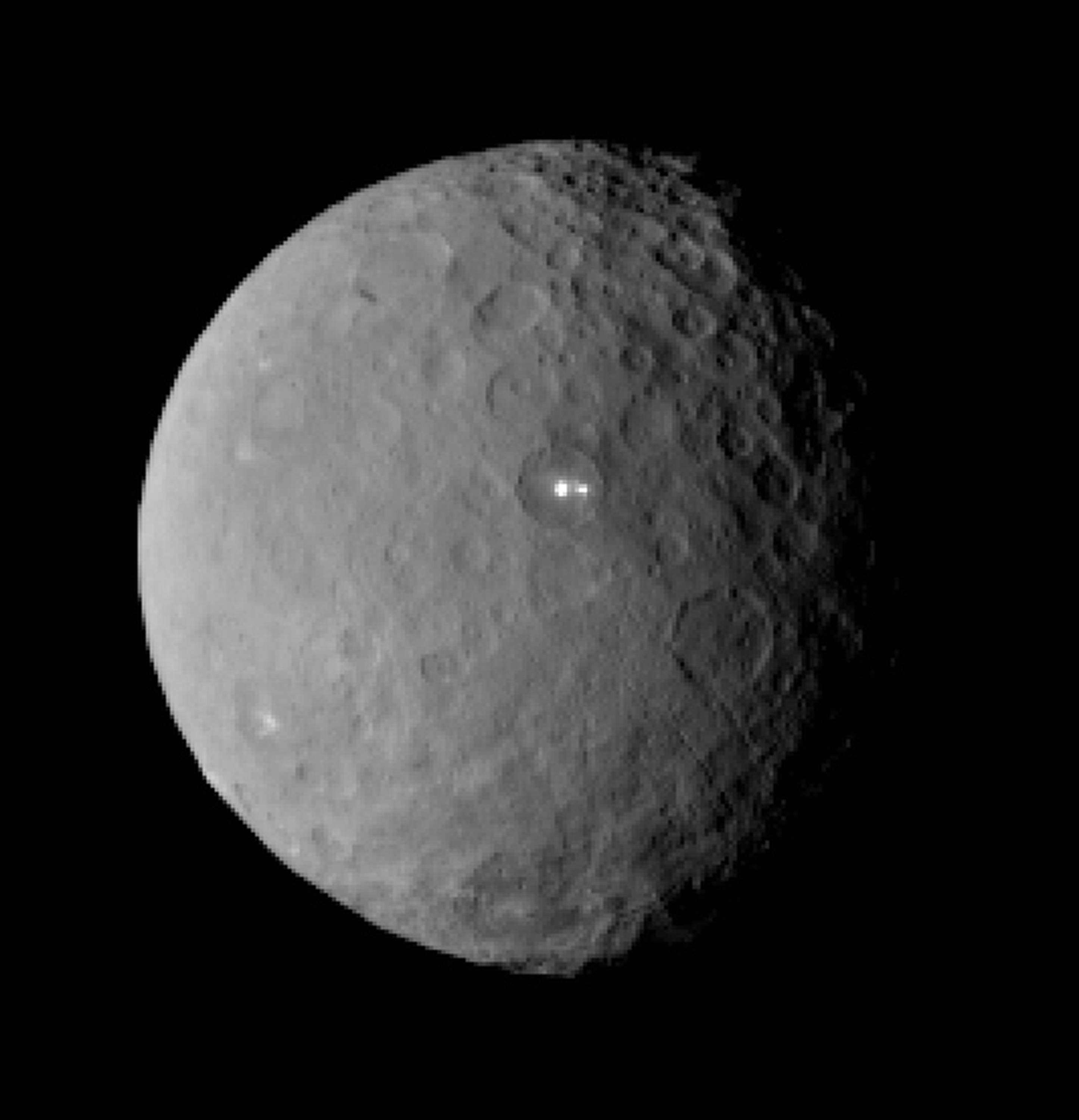 NASA spacecraft nearing its second stop _ dwarf planet Ceres