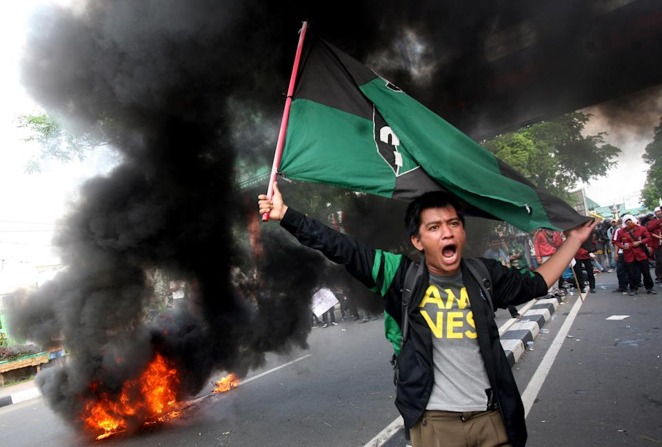 Indonesia steps toward fuel hike despite protests