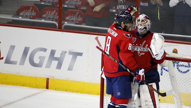 NHL Three Stars: Ovechkin and Carter go goal crazy; Holtby blan…