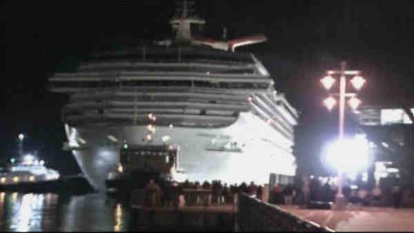 Disabled cruise ship arrives in Alabama