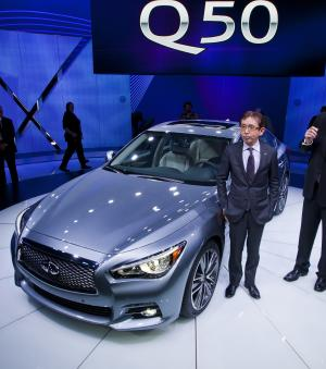 Infiniti unveils luxury sports car at Detroit show