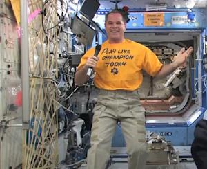 Astronaut Backs Notre Dame in BCS Championship