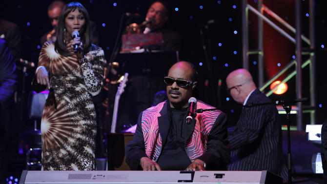 Stevie Wonder performs during the Apollo Theater's annual spring gala honoring Stevie Wonder in New York on Monday, June 13, 2011. (AP Photo/Donald Traill)
