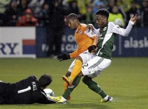 Davis leads Dynamo to 2-1 win over Fire