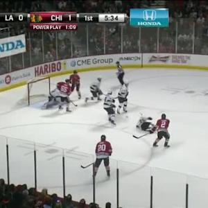 Jonathan Quick Save on Marian Hossa (14:29/1st)