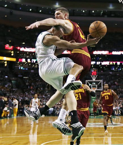 Cavs end 10-game skid with 97-91 win at Boston