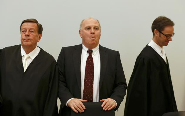 Bayern Munich President Hoeness arrives with lawyers Feigen and Gotzens for verdict in his trial for tax evasion at regional court in Munich
