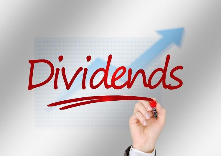 The Smart Money's Favorite Mid-Cap Dividend Stocks