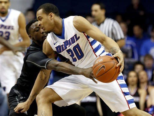 Cincinnati holds on to beat DePaul 75-70