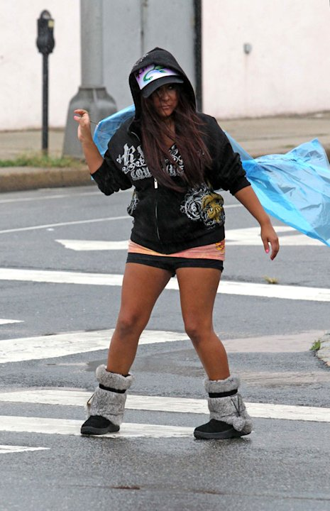 Snooki Out In The Rain