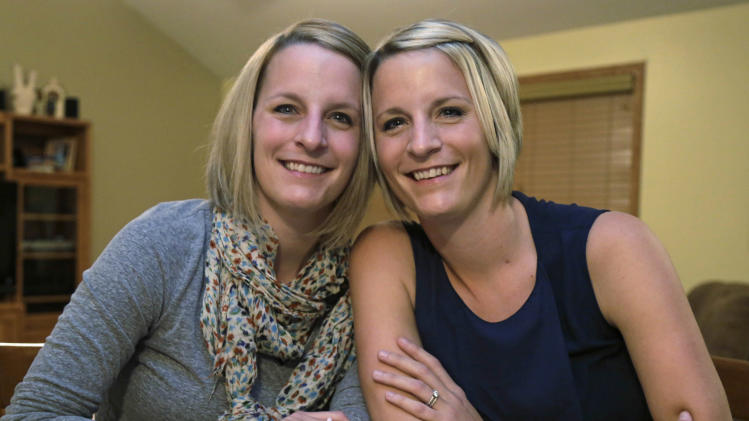 Twin Shares Tissue for Breast Reconstructive Surgery