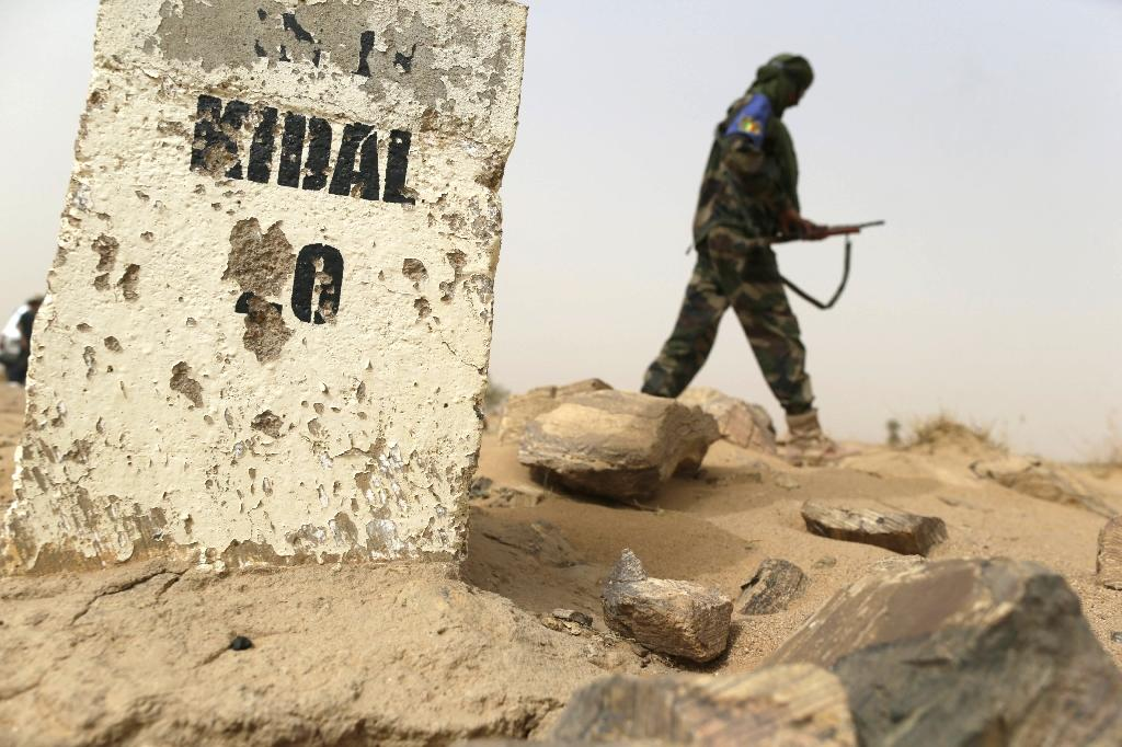 Mali loyalist forces refuse to leave occupied northern town