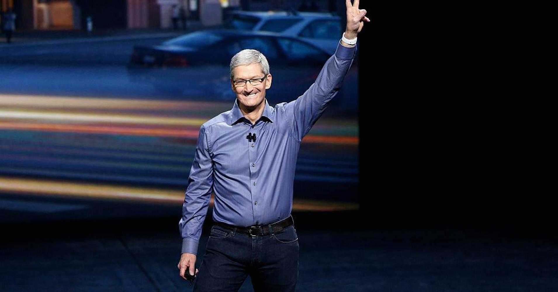 Apple CEO Tim Cook: I saw an iPhone in a 346-year-old painting