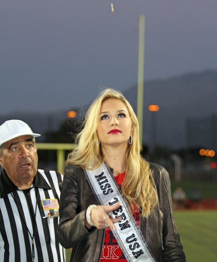 Miss Teen USA Cassidy Wolf returned to her alma mater for an opening coin toss — Amanda Schwarzer Photography
