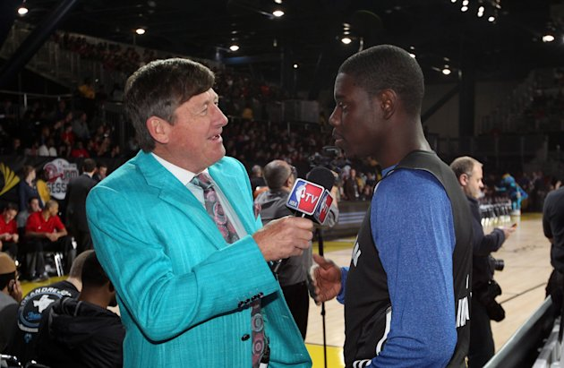 Craig Sager interviews Jrue Holiday