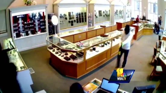 3 men sought in Frederick jewelry store heist
