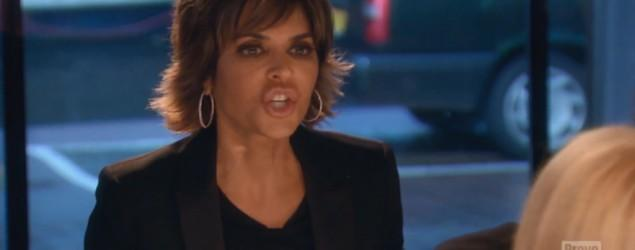 Lisa Rinna smashes glass, lunges at co-star