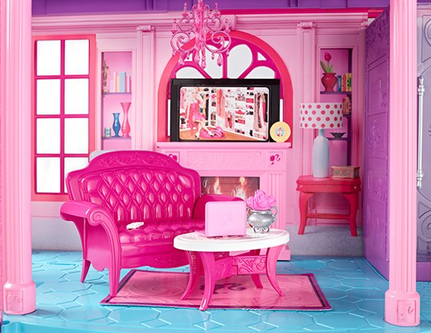 Barbie Dreamhouse in Malibu: photos from the $25 million property listing living room
