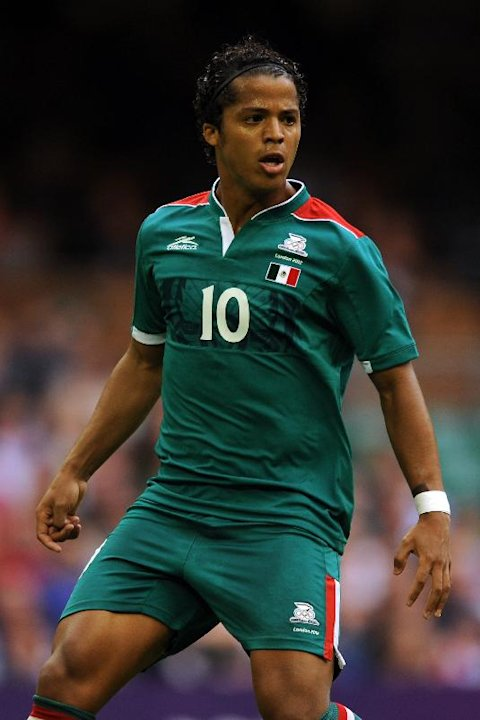 Giovani dos Santos, pictured, could join Inter Milan as part of a potential swap deal for Julio Cesar