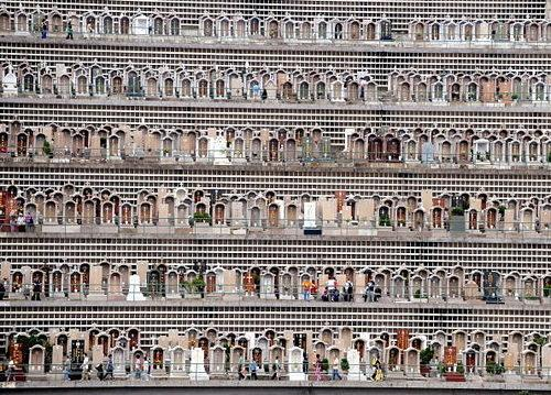 Cemetery Wire: Hong Kong's Densely Packed Cemeteries Are Jaw-Dropping