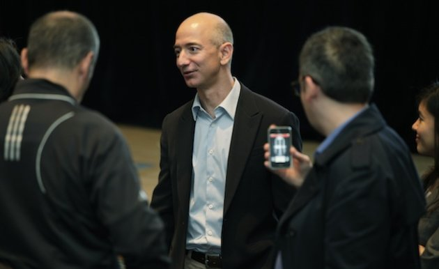 Bezos and his wife, MacKenzie, are now among the largest donors to gay ...