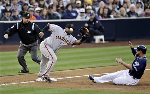 Padres edge Giants 8-7 in 12 innings on error