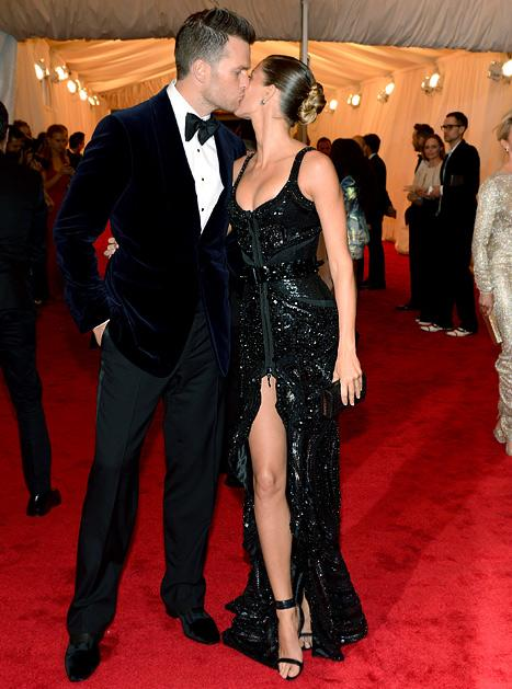 Gisele Bundchen, Tom Brady Kiss on Met Gala Red Carpet
