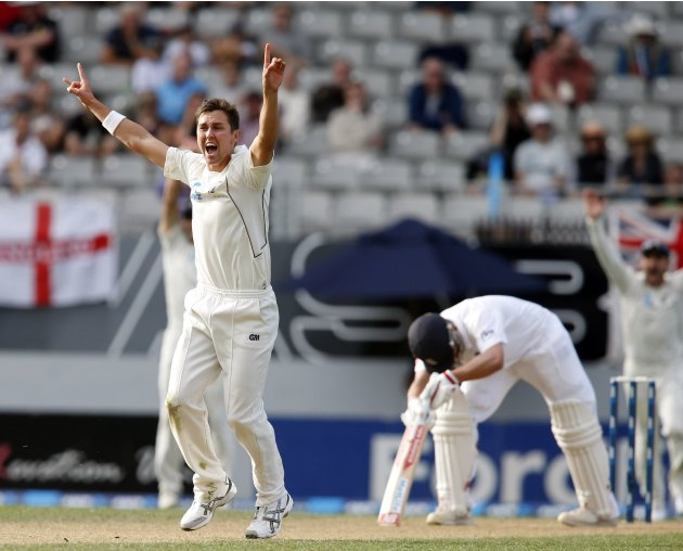 Boult of New Zealand appeals successfully for the wicket of England's Trott on day two of their final cricket test match at Eden Park in Auckland