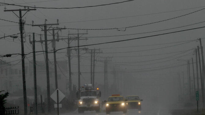 Eastern US braces for dangerous superstorm