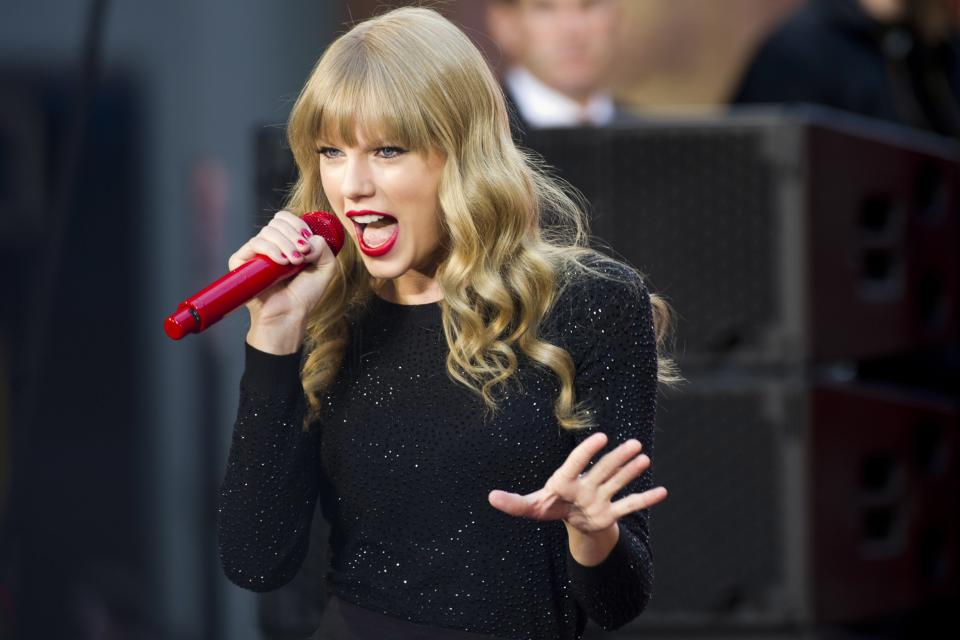 "FILE - This Oct. 23, 2012 file photo shows Taylor Swift performing on ABC's ""Good Morning America""  in New York. Swift will co-host The Grammy nominations concert with LL COOL J on Wednesday, Dec. 5, in Nashville, Tenn. (Photo by Charles Sykes/Invision/AP, file)"