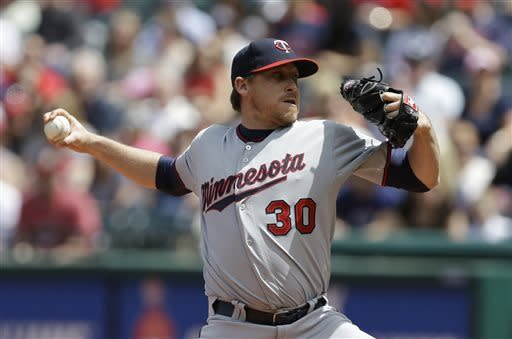 Kazmir gets 1st win since 2010, Indians beat Twins