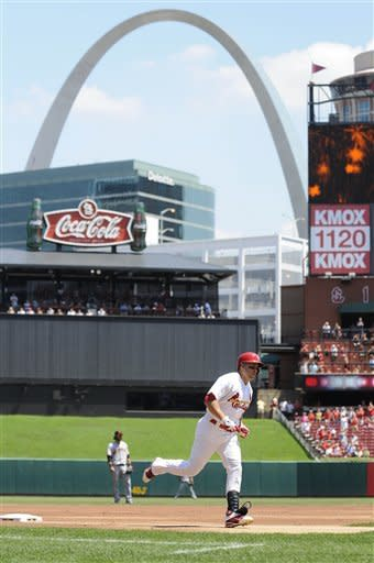 Wainwright, Cardinals slow Giants with 3-1 win