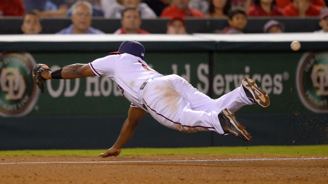 Hamilton homers in 10th to lift Angels over Astros