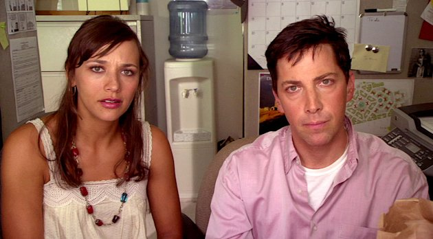 Rashida Jones as Hayley Feldman-Tate and Dan Bucatinsky as Jerome Sokoloff in &quot;Web Therapy.&quot; 