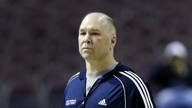 Saint Mary's coach Bennett gets 5-game suspension