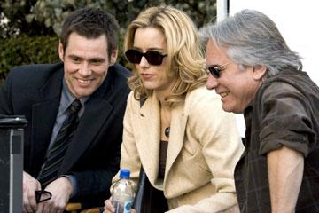 Jim Carrey and Tea Leoni with director Dean Parisot on the set of  Columbia Pictures' Fun with Dick and Jane