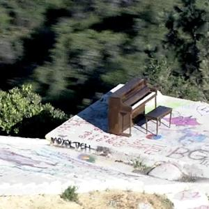 How Did This Mysterious Piano End up on Top of a Malibu Cliff?